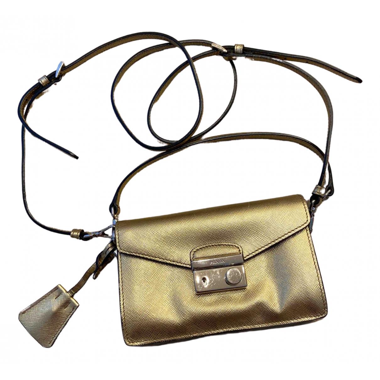 Prada \N Handtasche in  Gold Leder
