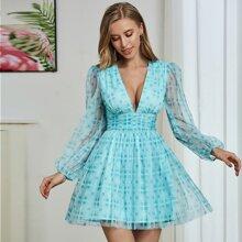 Double Crazy Organza Kleid mit Rueschen und Karo Muster