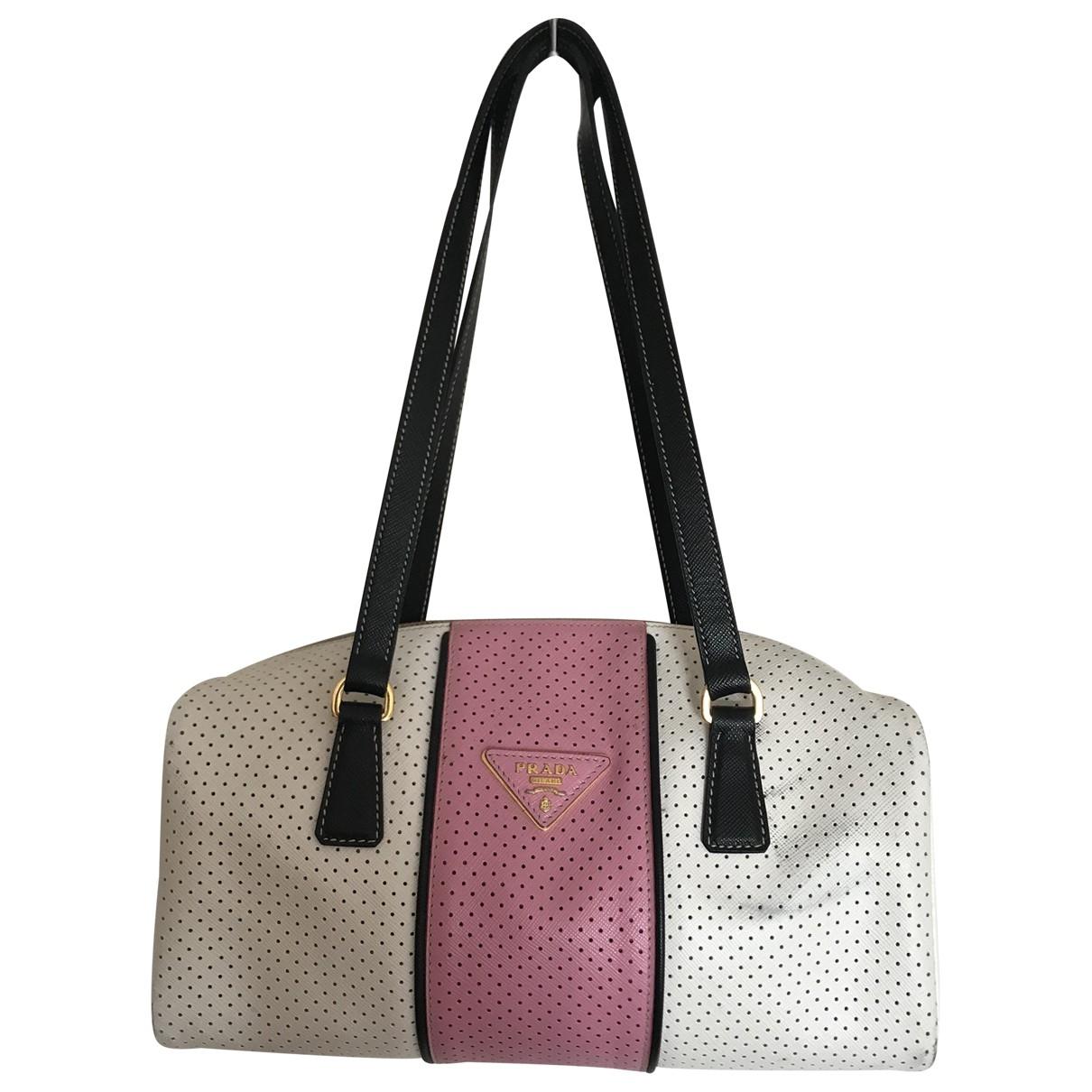 Prada saffiano  Handtasche in  Weiss Leder