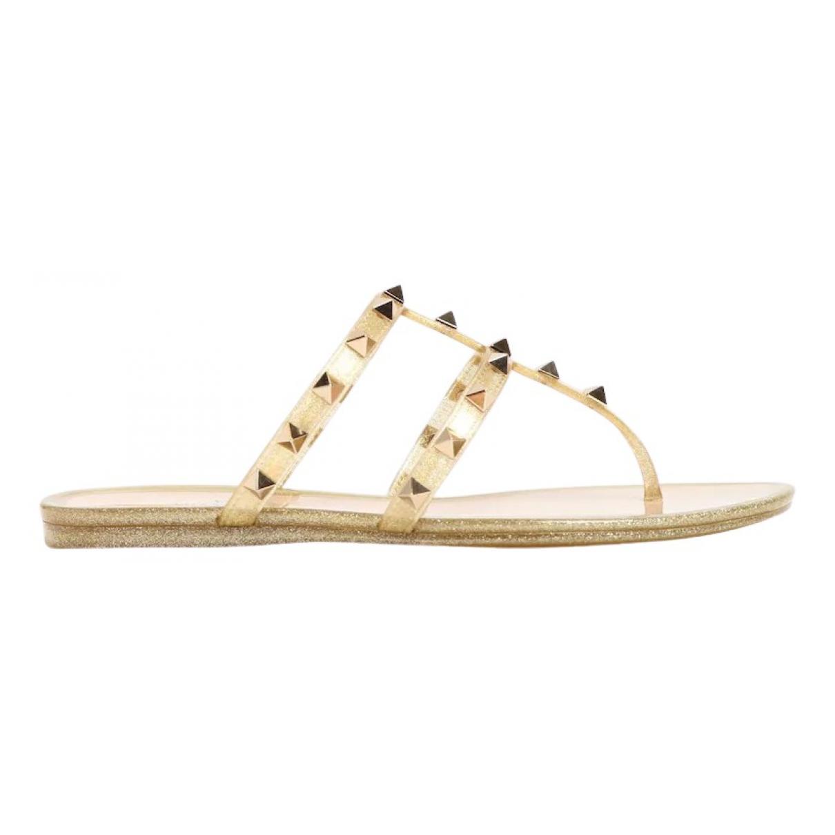 Valentino Garavani Rockstud Gold Leather Sandals for Women 37 EU