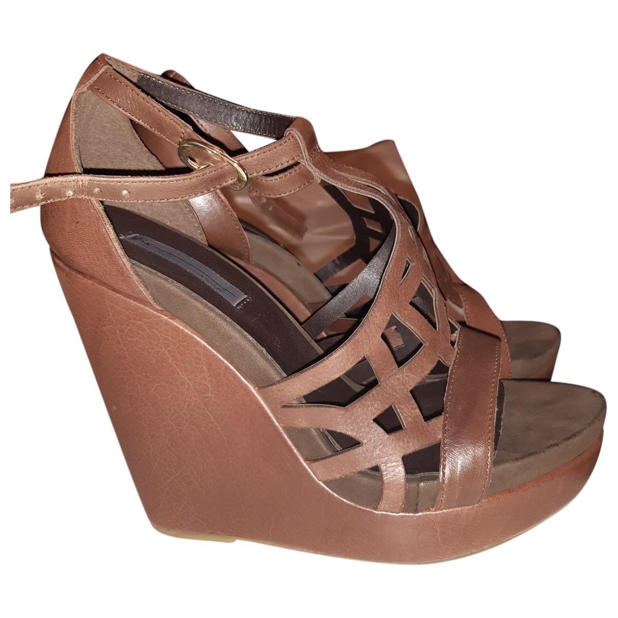 Vic Matie - Sandales   pour femme en cuir - marron