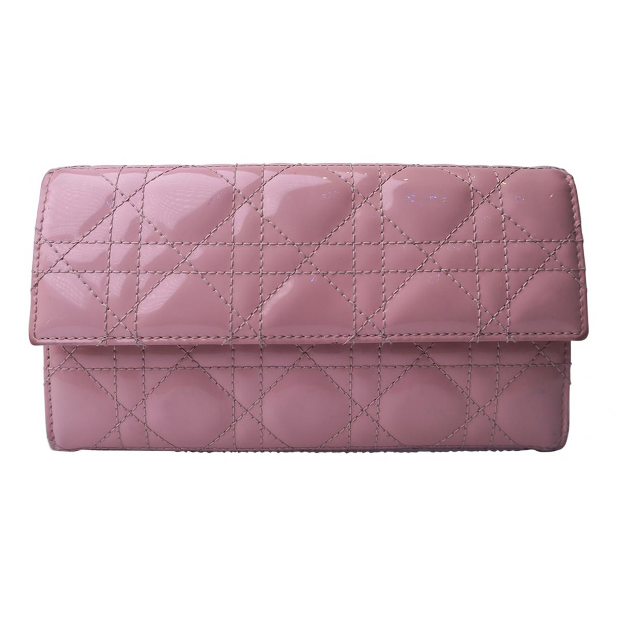 Dior Lady Dior Portemonnaie in  Rosa Lackleder