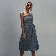 Cami Kleid mit Bluemchen Muster und Guertel