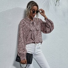 Bluse mit Leopard Muster und Halsband