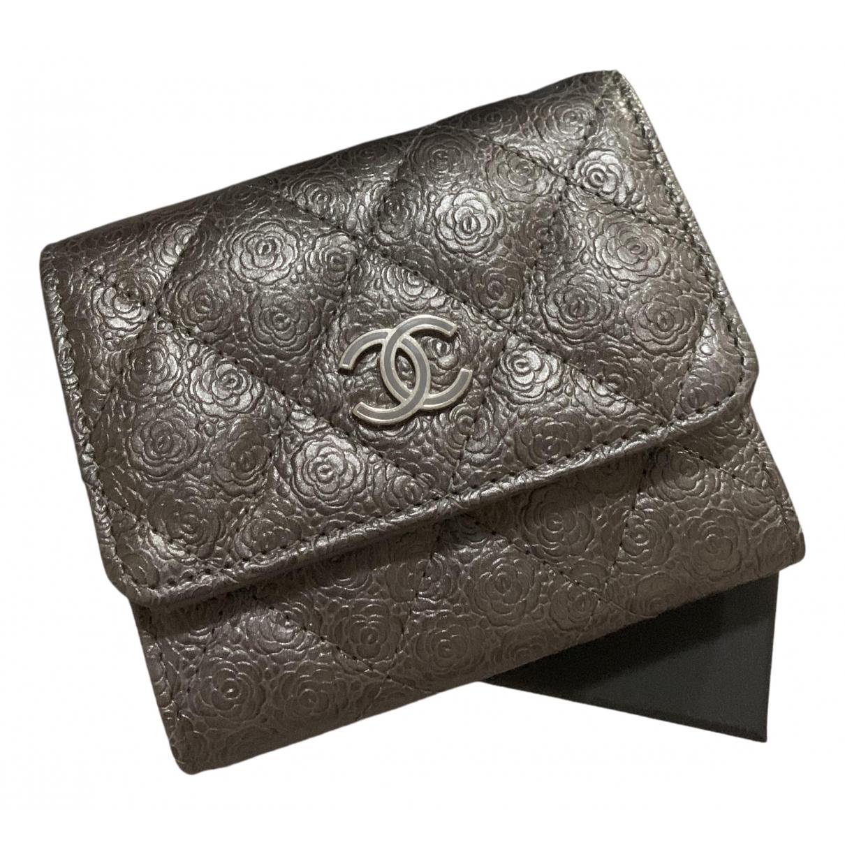 Chanel Timeless/Classique Kleinlederwaren in  Grau Leder