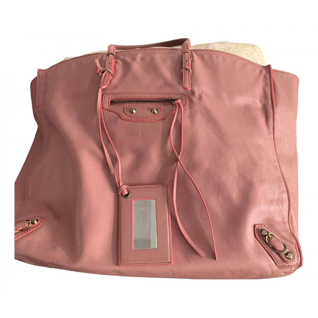 Balenciaga Papier Handtasche in  Rosa Leder
