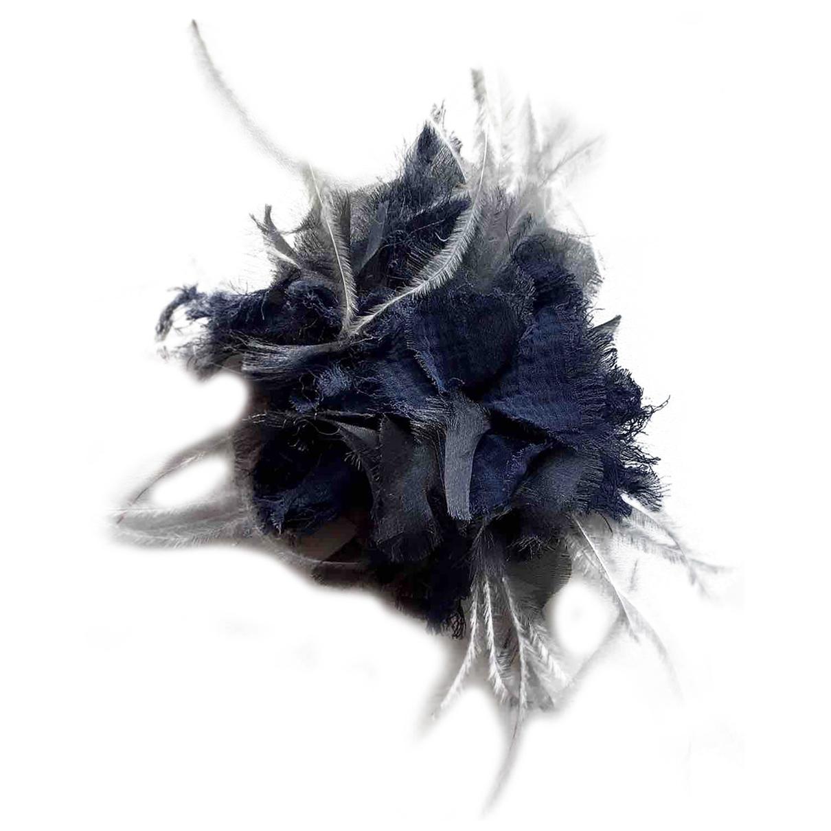 Fabiana Filippi \N Brosche in  Blau Seide