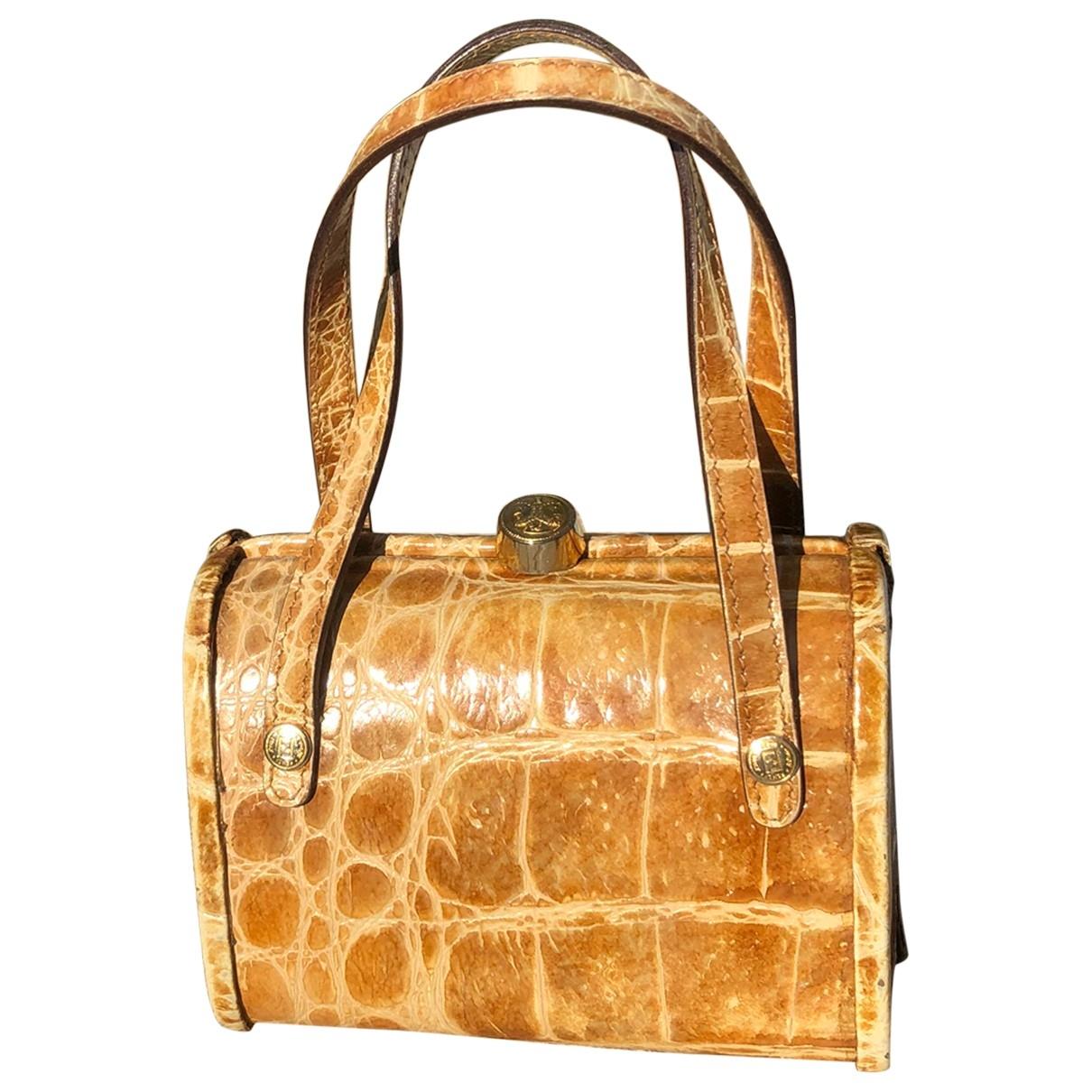 Fendi \N Green Exotic leathers Clutch bag for Women \N
