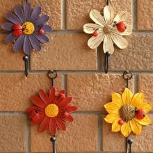 1pc Flower Shaped Random Color Wall Hook