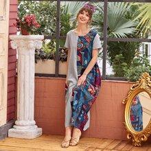 Gespleisstes Tunika Kleid mit Stamm Muster und versteckten Taschen