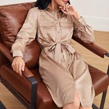 Satin Shirt Kleid mit Taschen Klappen, Guertel und Dalmatiner Muster