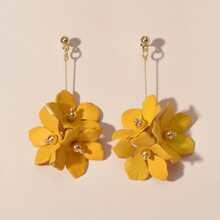 Ohrringe mit Blumen Design