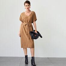 Kleid mit V Kragen, Fledermausaermeln und Selbstband