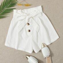 Shorts mit Papiertasche um die Taille und Knopfen vorn