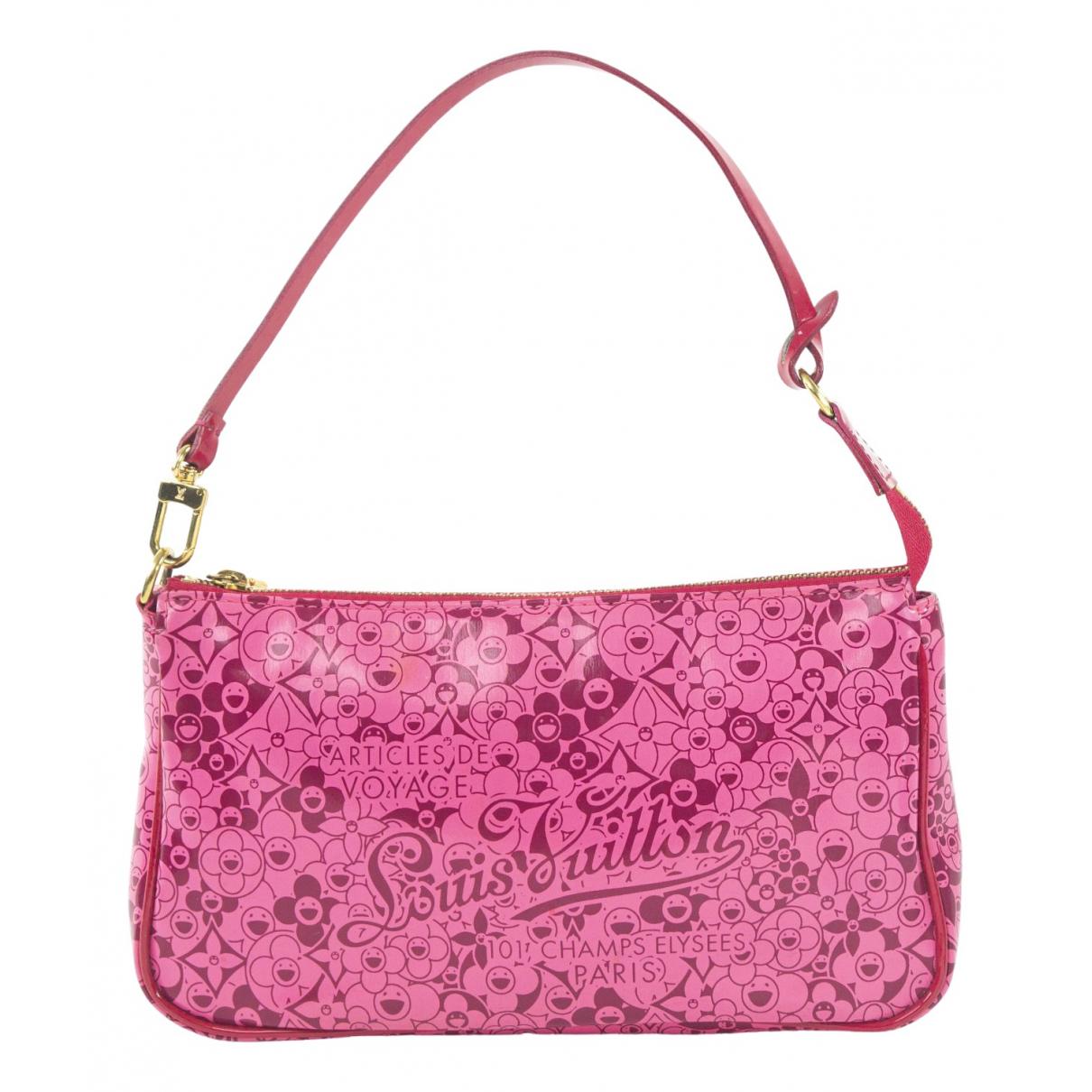 Louis Vuitton Pochette Accessoire Clutch in  Rosa Lackleder