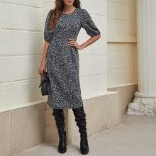 Kleid mit Puffaermeln, Schlitz am Saum und Leopard Muster
