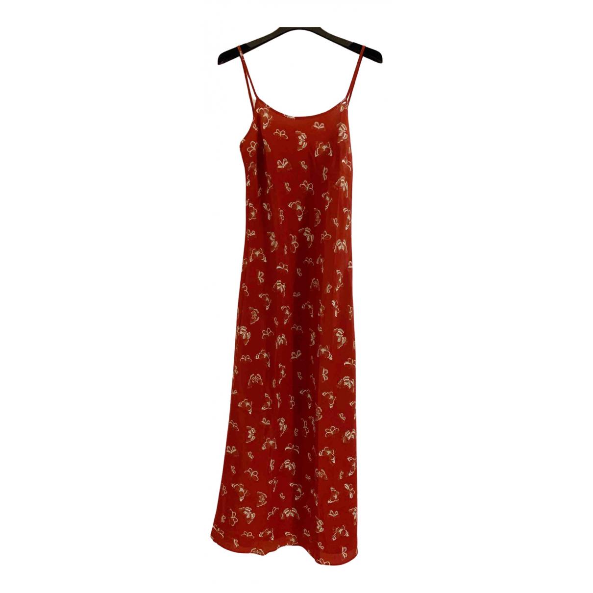 Realisation \N Kleid in  Rot Seide