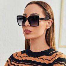 Sonnenbrille mit getonten Linsen