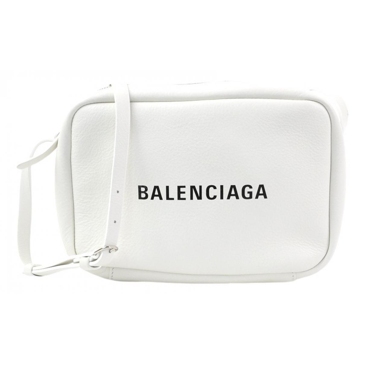 Balenciaga Camera Handtasche in  Weiss Leder