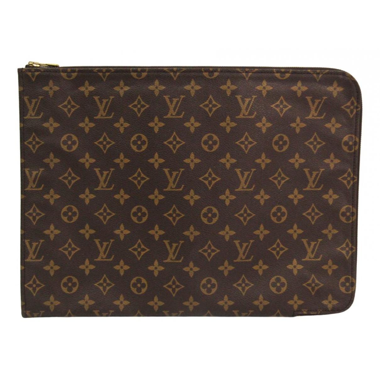 Louis Vuitton \N Clutch in  Braun Leinen