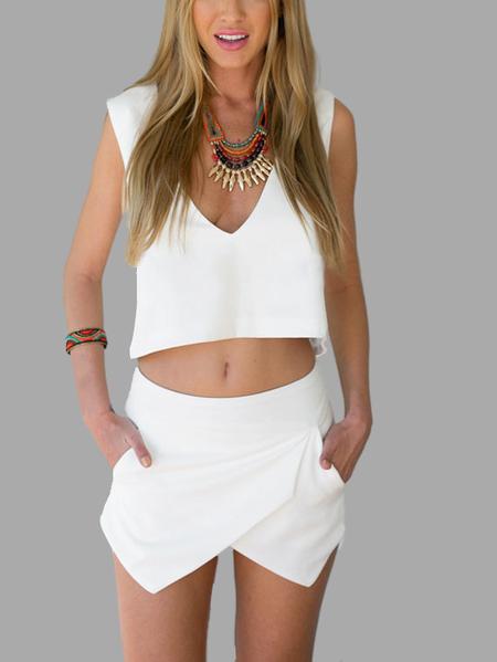 Yoins White Simple V-neck Open Back Top & Asymmetric Shorts