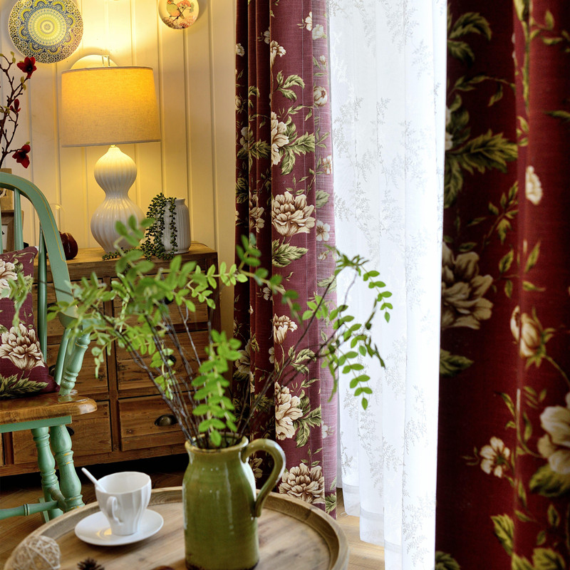 European Style Floral Pattern Polyester Material Blackout Feature Curtain Sets