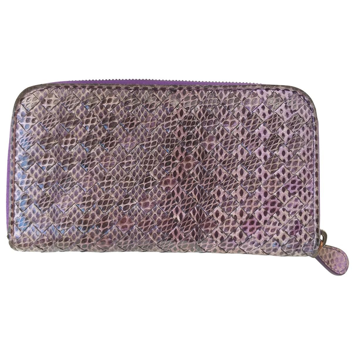Bottega Veneta - Portefeuille   pour femme en serpent deau - violet