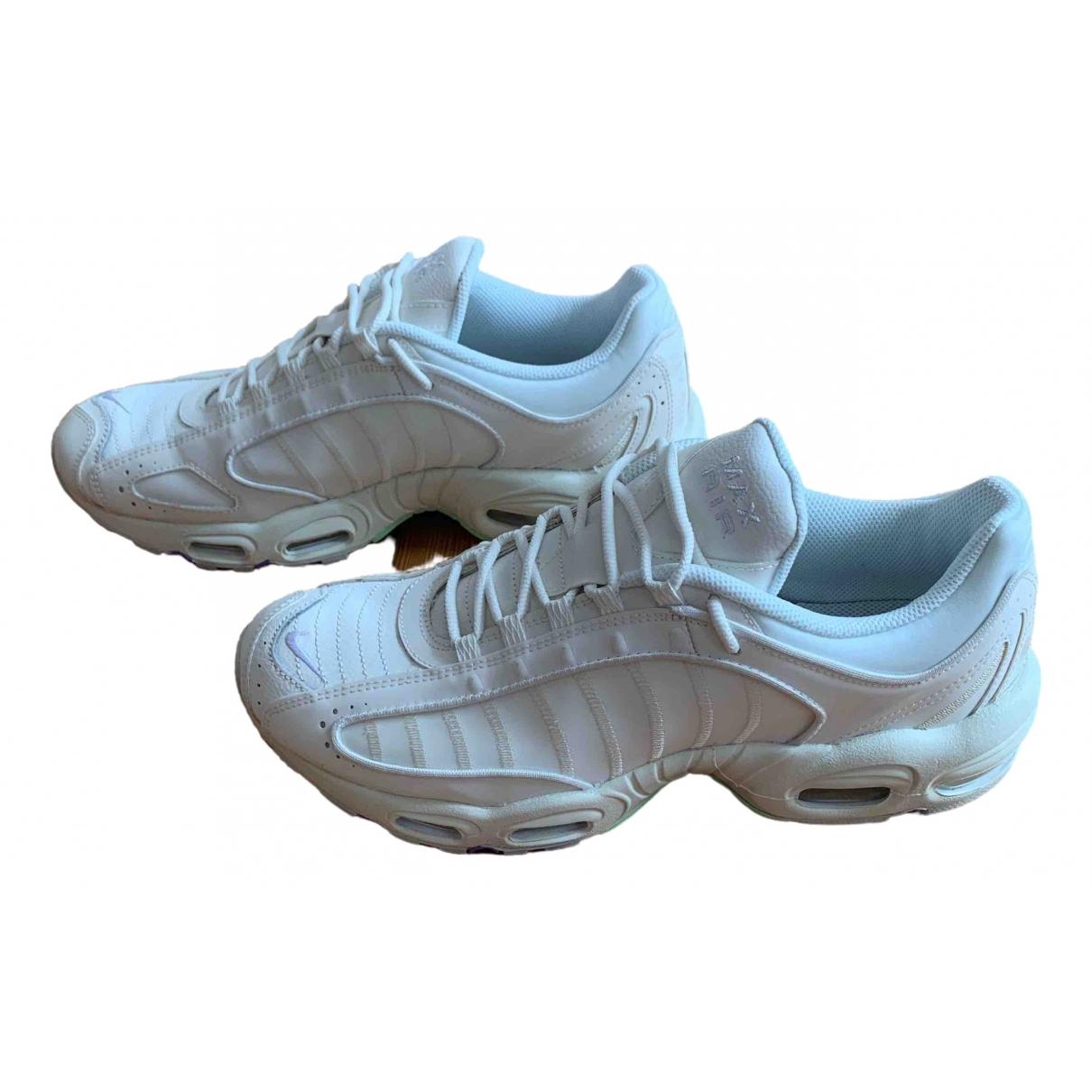 Nike Air Max Tailwind IV Sneakers in  Beige Kunststoff