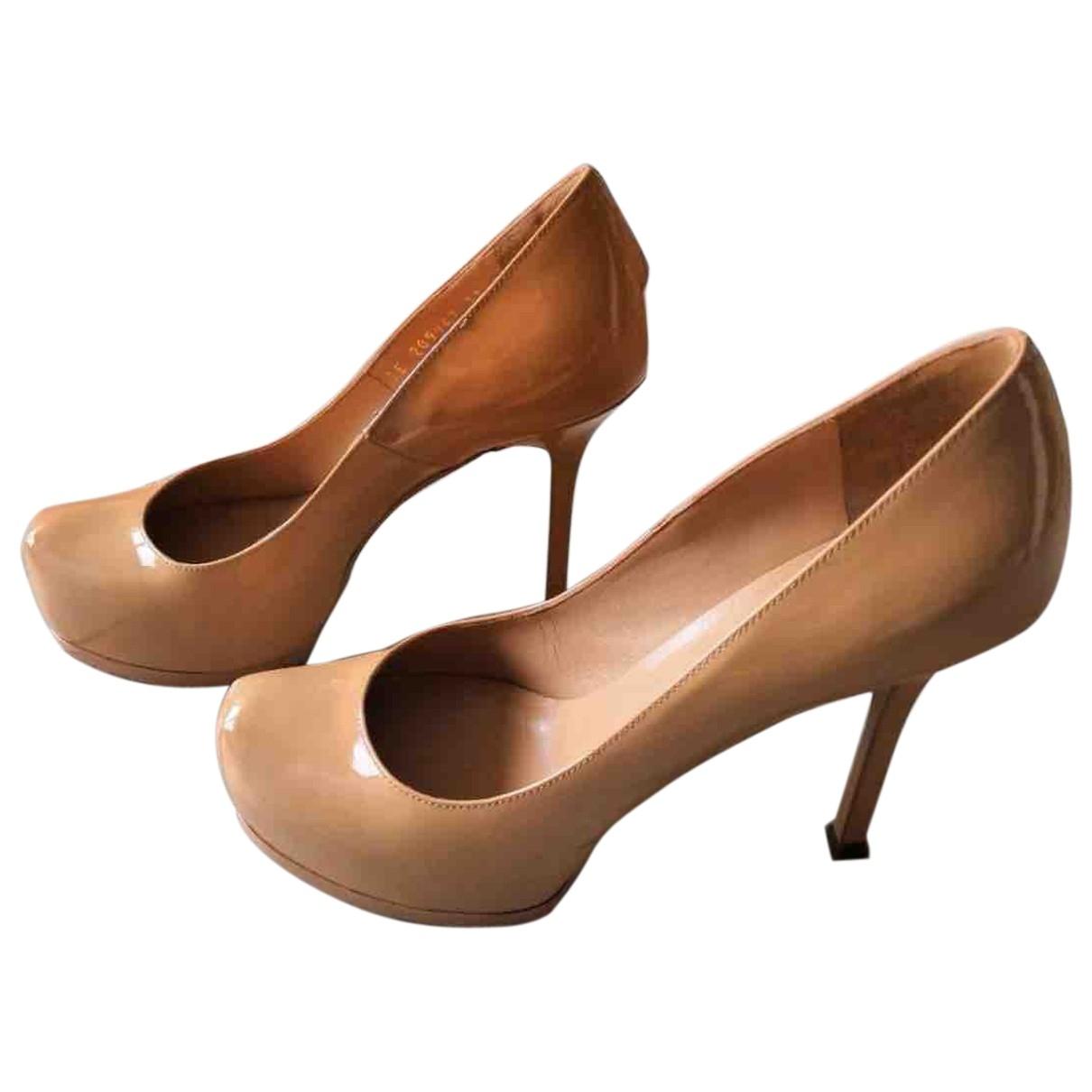 Yves Saint Laurent - Escarpins Trib Too pour femme en cuir verni - beige