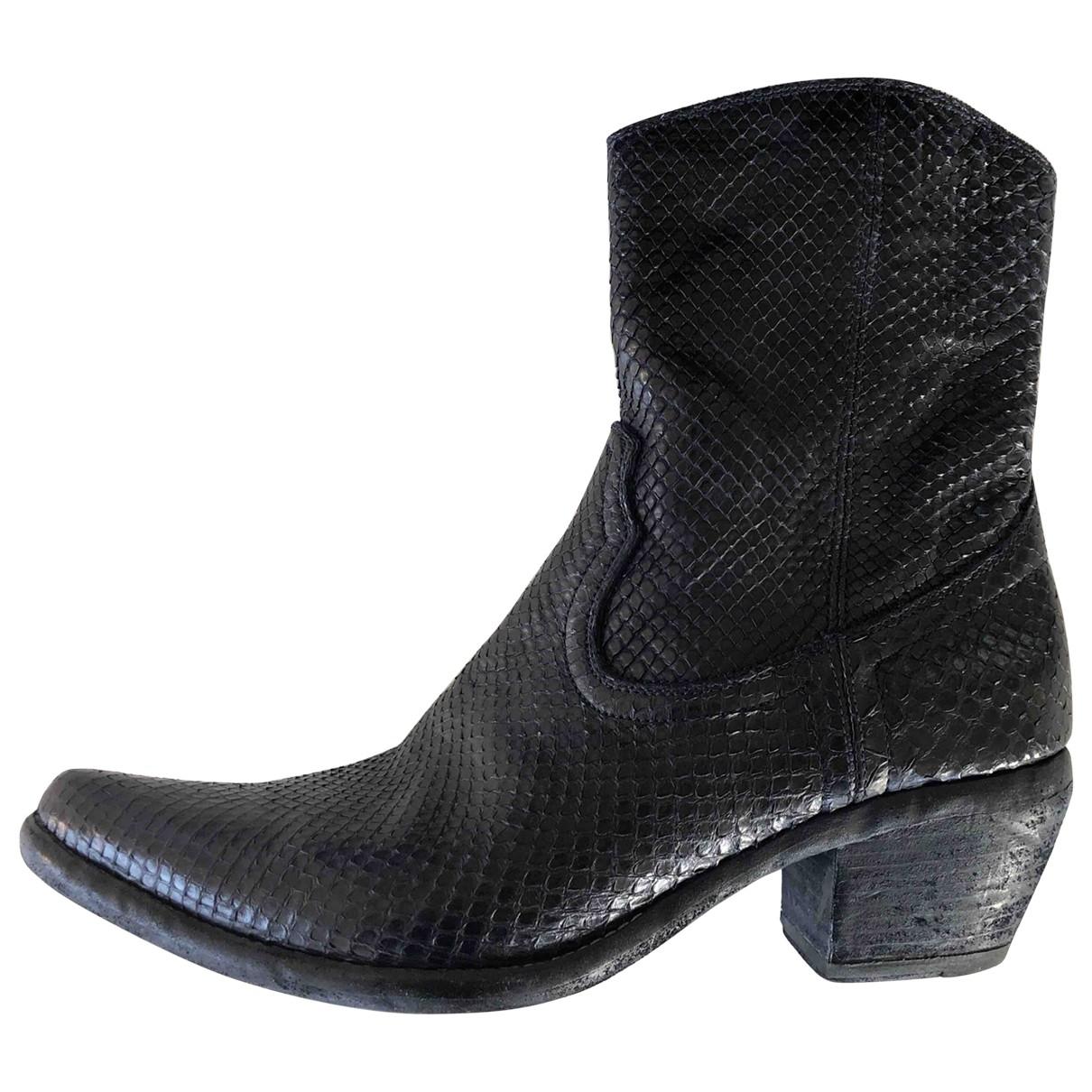 - Boots   pour femme en python - noir