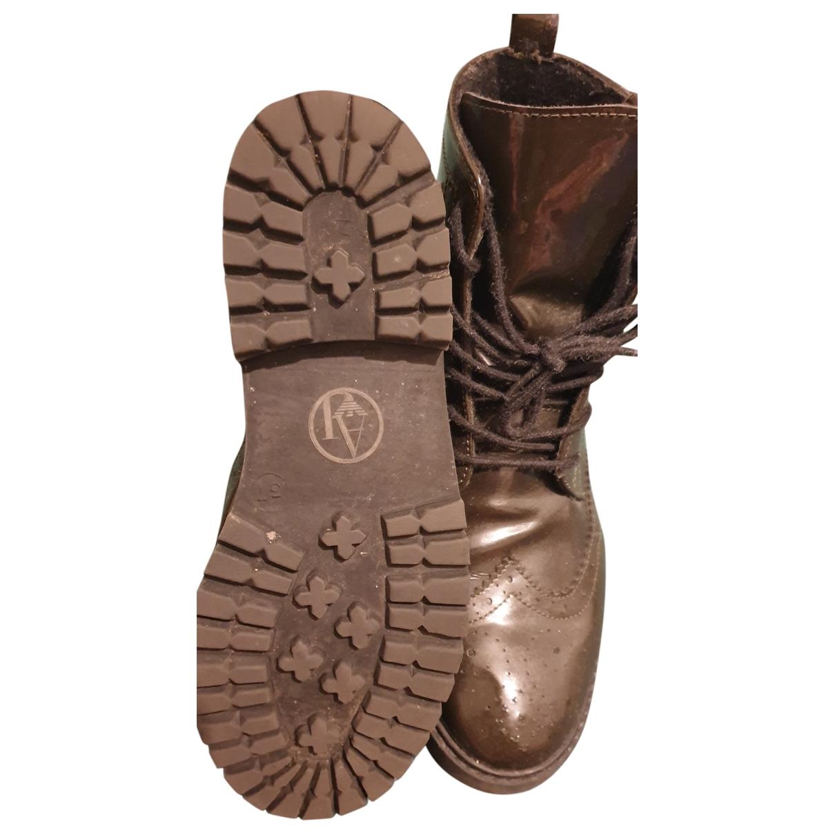 Armani Jeans \N Stiefel in  Khaki Lackleder