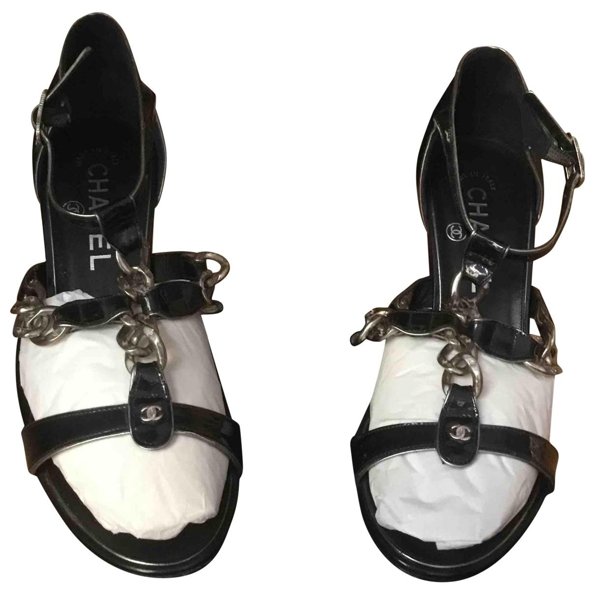 Chanel \N Sandalen in  Blau Lackleder