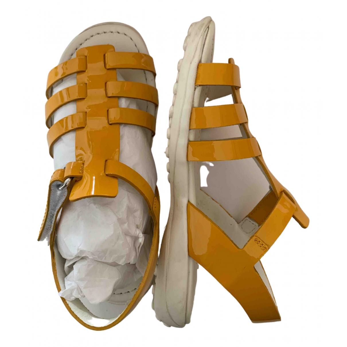 Tods - Sandales   pour enfant en cuir verni - jaune