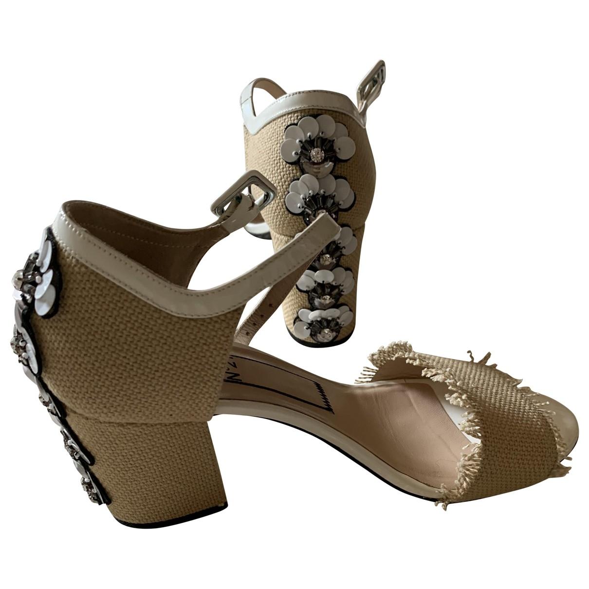N°21 - Sandales   pour femme en toile - ecru