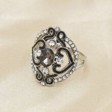 Rhinestone Decor Hollow Out Ring
