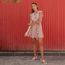 Kleid mit V-Kragen, Rueschen, Guertel und Blumen Muster
