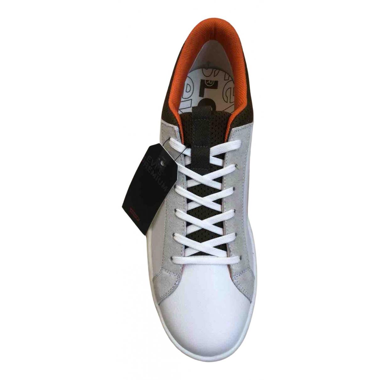 Levis \N Sneakers in  Weiss Leder