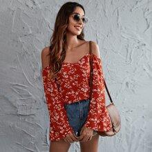 Camisa de hombros descubiertos con estampado floral
