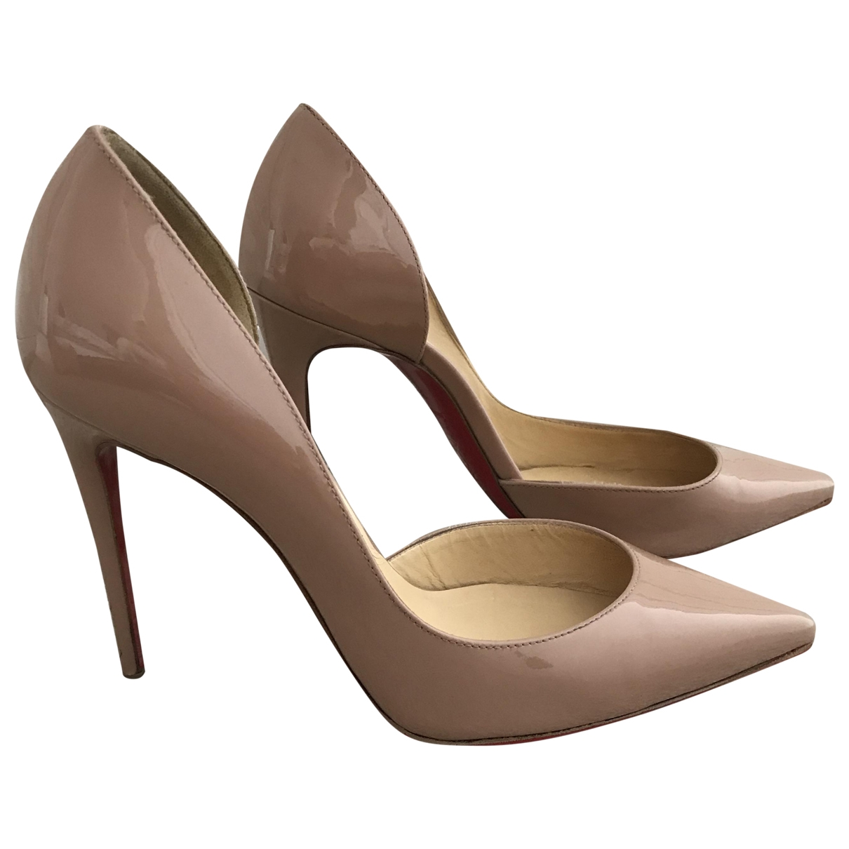 Christian Louboutin Iriza Pumps in  Beige Lackleder