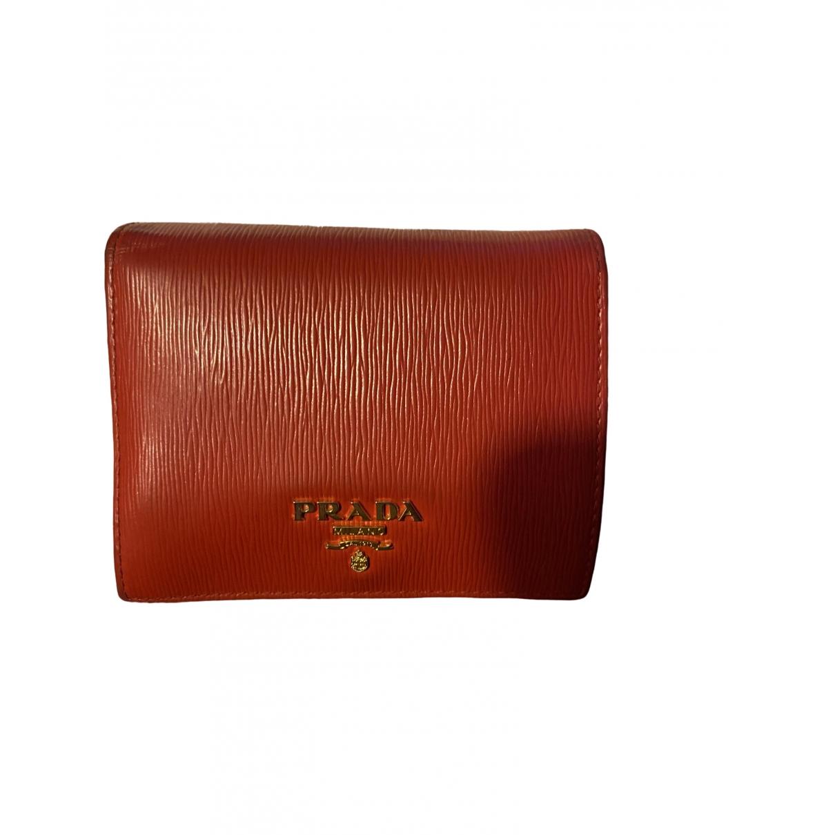 Prada \N Kleinlederwaren in  Rot Leder