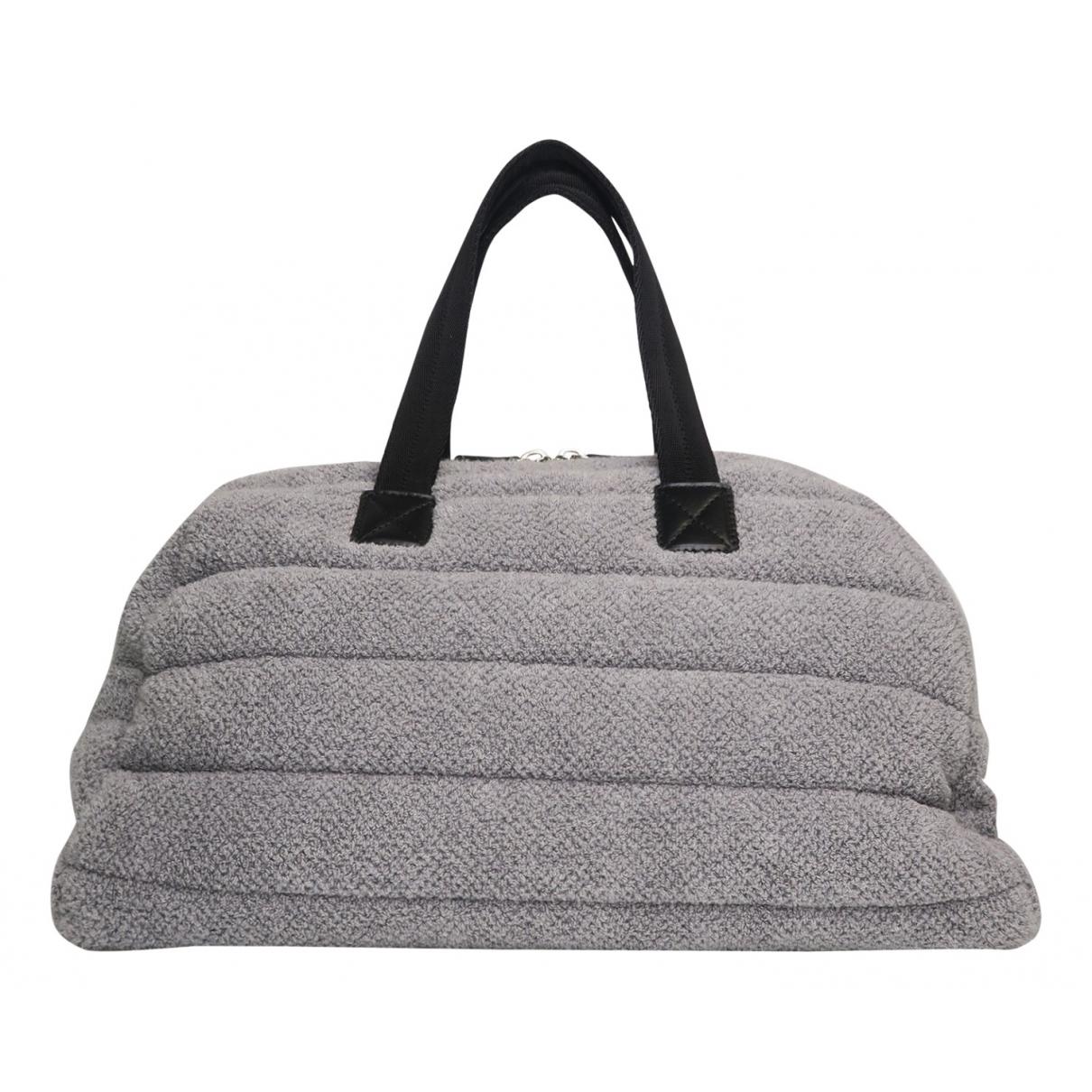 Chanel - Sac de voyage   pour femme en cuir - gris