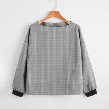 Bluse mit Karo Muster, Bootskragen und sehr tief angesetzter Schulterpartie