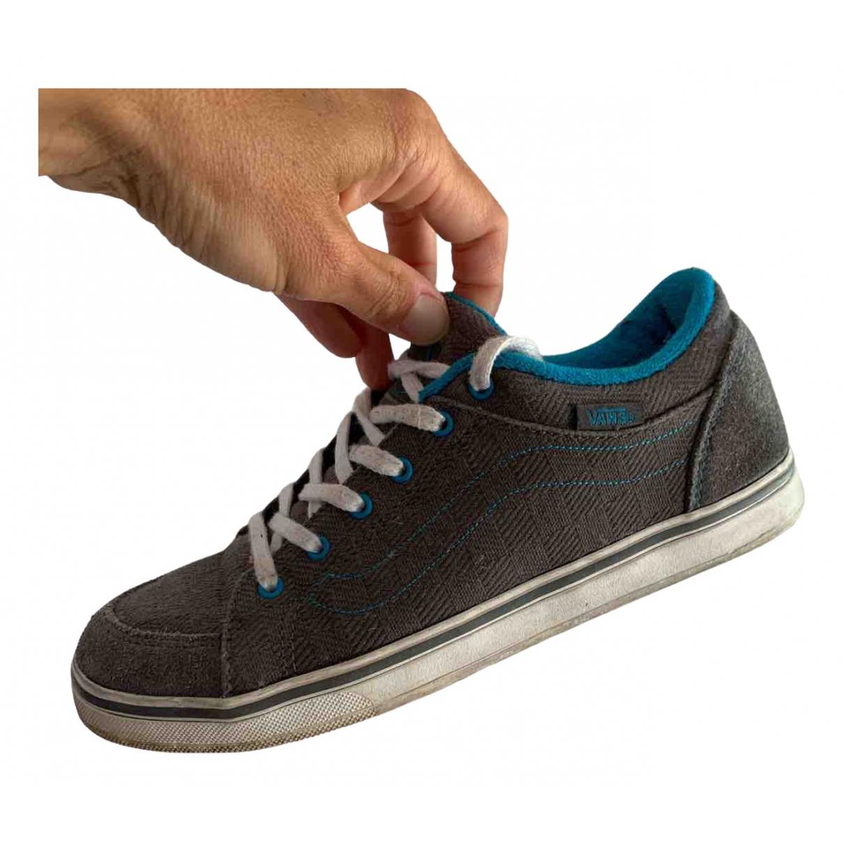 Vans \N Sneakers in  Grau Veloursleder