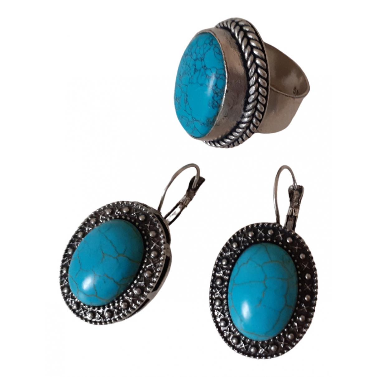 - Boucles doreilles Dormeuses pour femme en metal - turquoise