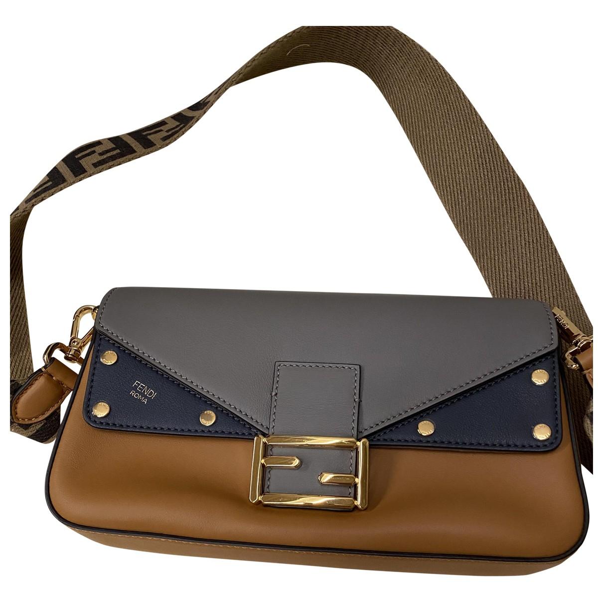 Fendi Baguette Camel Leather handbag for Women \N
