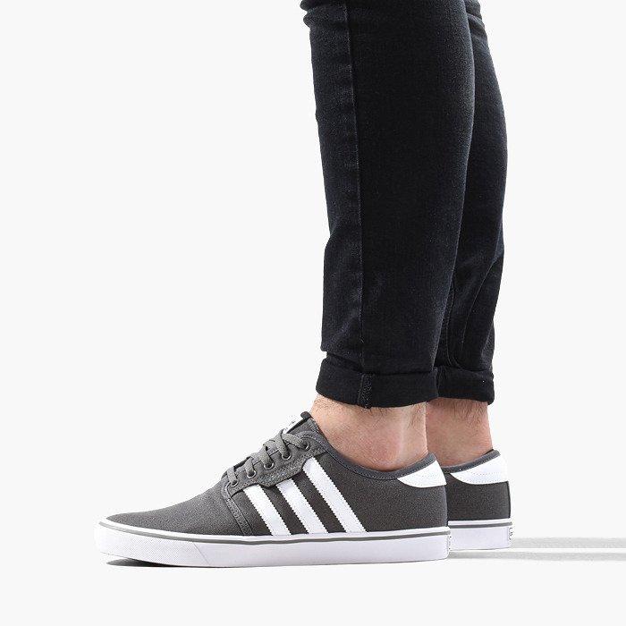 adidas Originals Seeley AQ8528