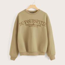 Pullover mit sehr tief angesetzter Schulterpartie und Buchstaben Stickereien