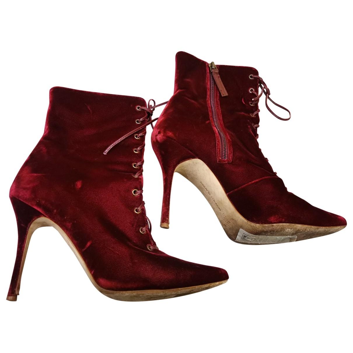Manolo Blahnik - Boots   pour femme en velours - rouge