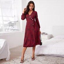 Asymmetrisches Kleid mit Herzen Muster, Knopfen vorn, seitlichem Band und Wickel Design