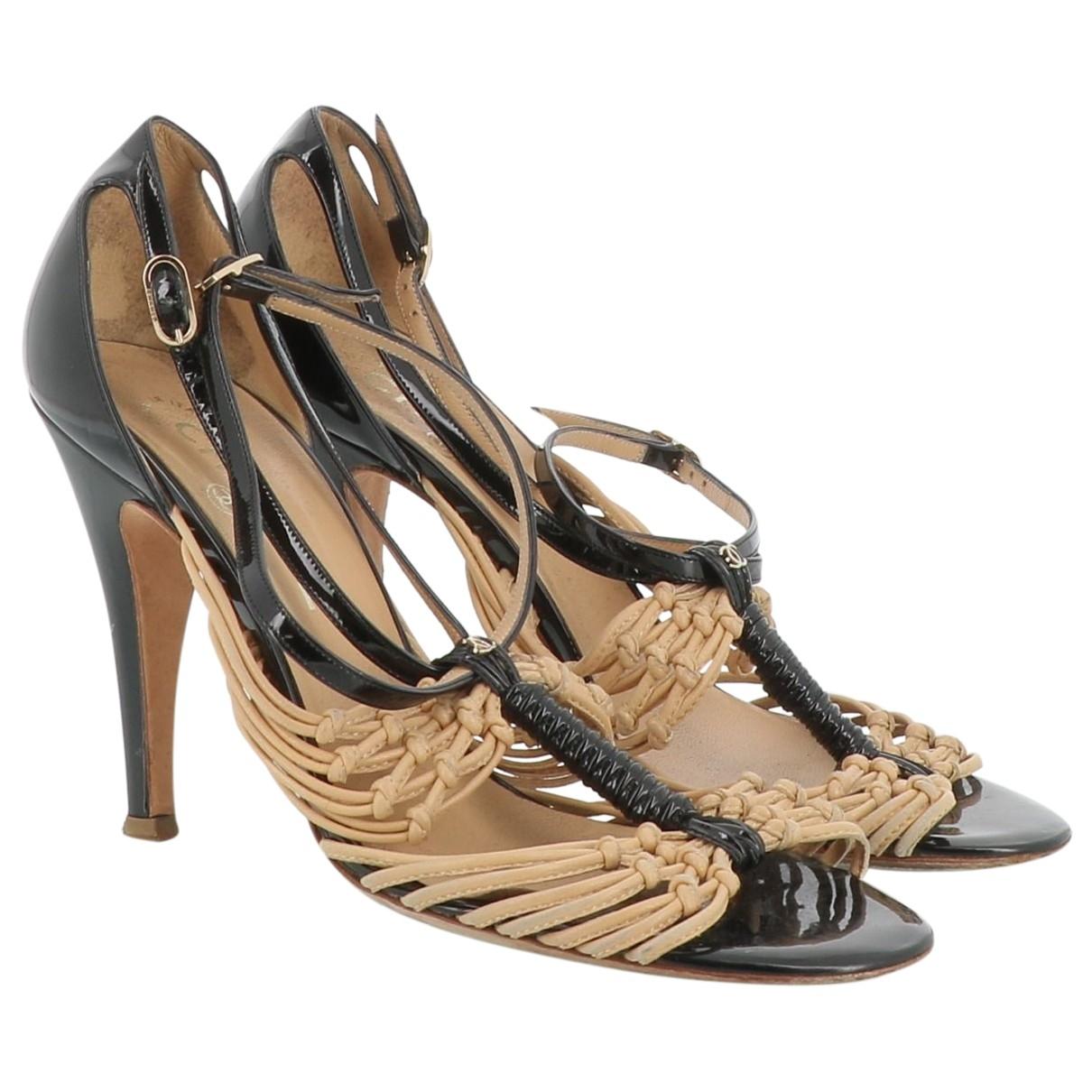 Chanel - Sandales   pour femme en cuir verni - noir